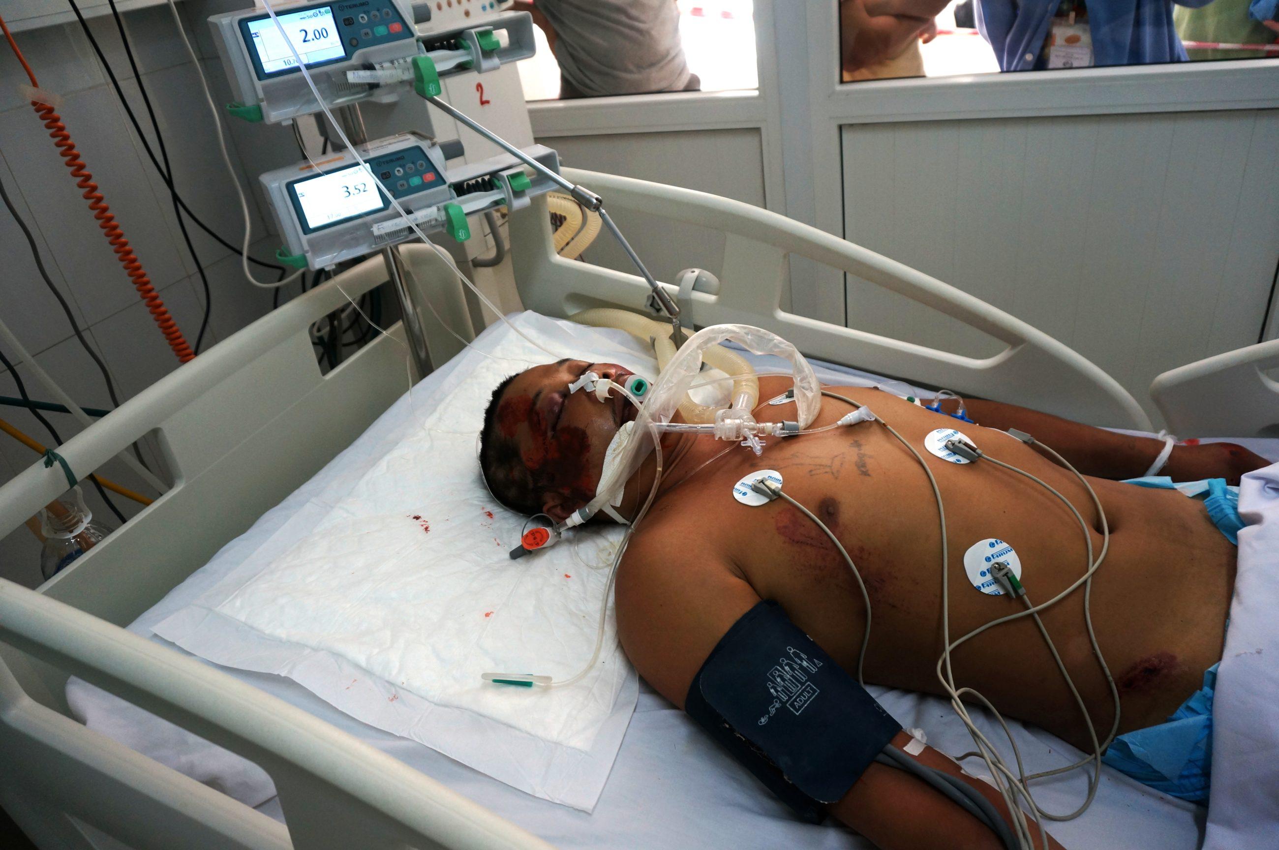 Cứu sống bệnh nhân nguy kịch do bị đâm thủng phổi