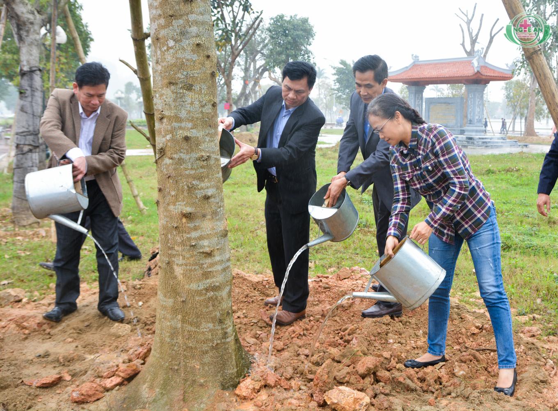 Viếng thăm và trồng cây lưu niệm tại Khu di tích lịch sử Truông Bồn