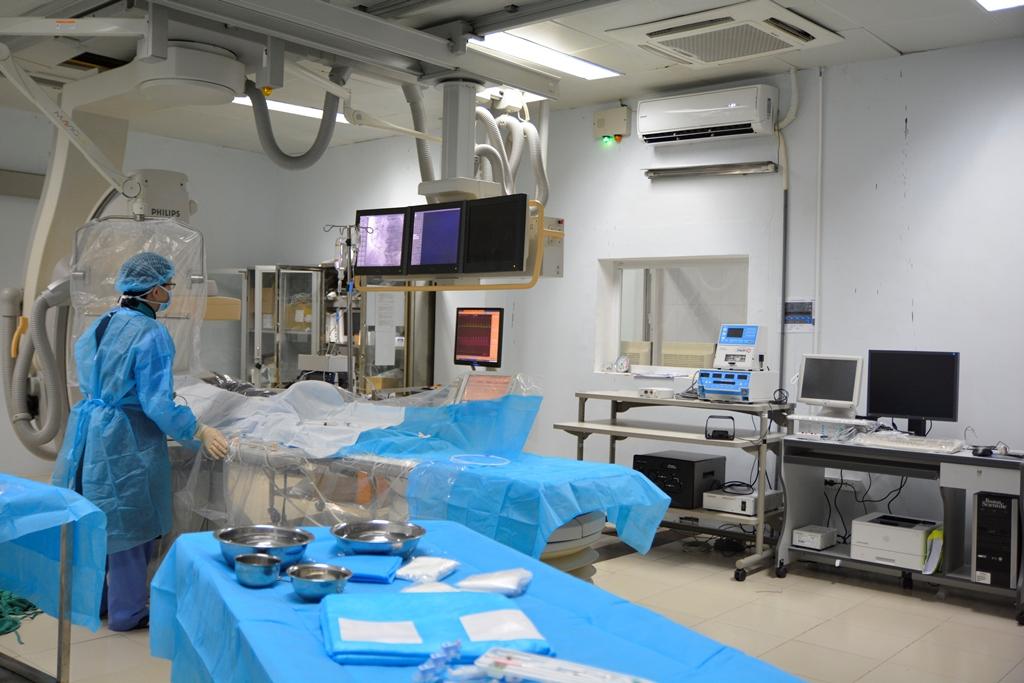 Gần 200 bệnh nhân bị tim bẩm sinh được điều trị bằng kỹ thuật can thiệp qua da